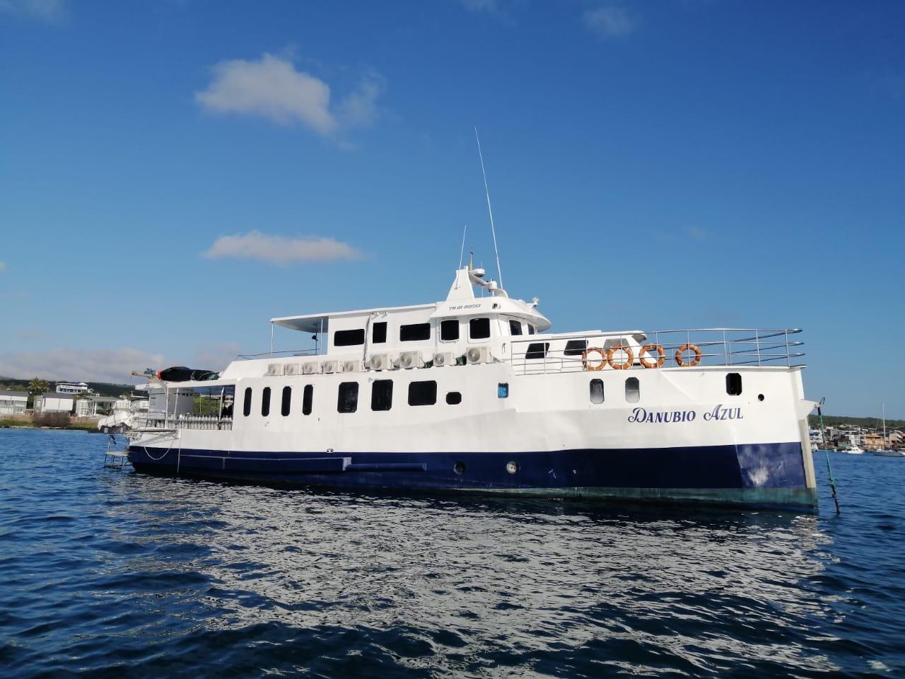 Danubio Azul, Galapagos