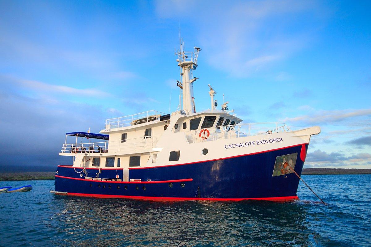 Cachalote Yacht, Galapagos