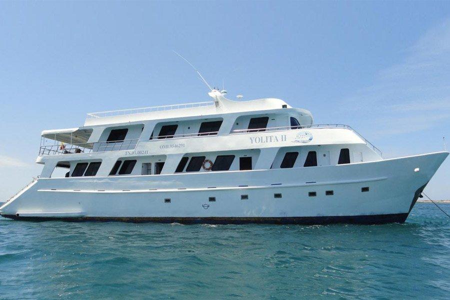 Yolita II Yacht, Galapagos