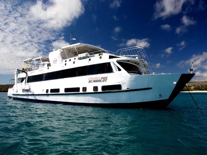 Humboldt Explorer Yacht, Galapagos DIVING